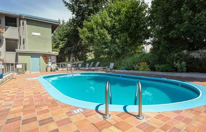 Accent Inn Kelowna - Pool - 26