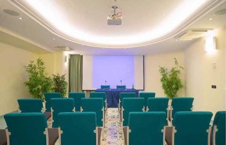 Le Querce - Conference - 18