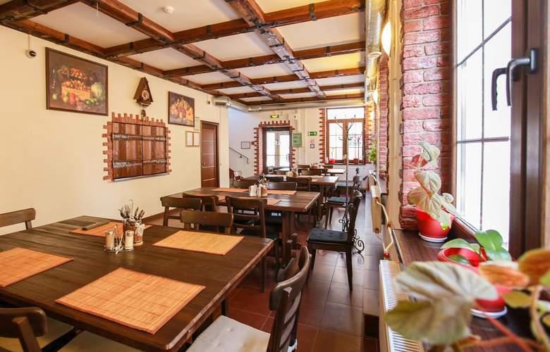 Hotel 365 - Restaurant - 3