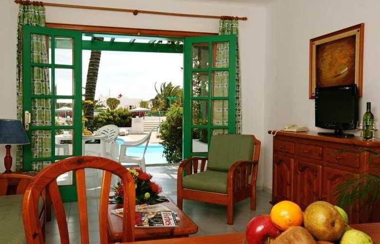 Nazaret Apartments - Room - 4