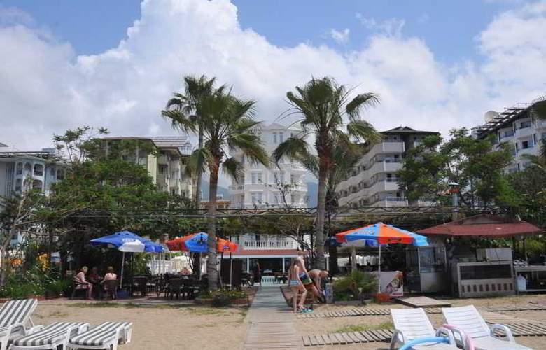 Azak Hotel - Beach - 4