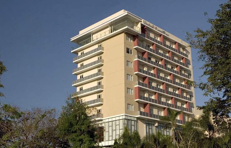 Hotel Santika Jemursari - Hotel - 0
