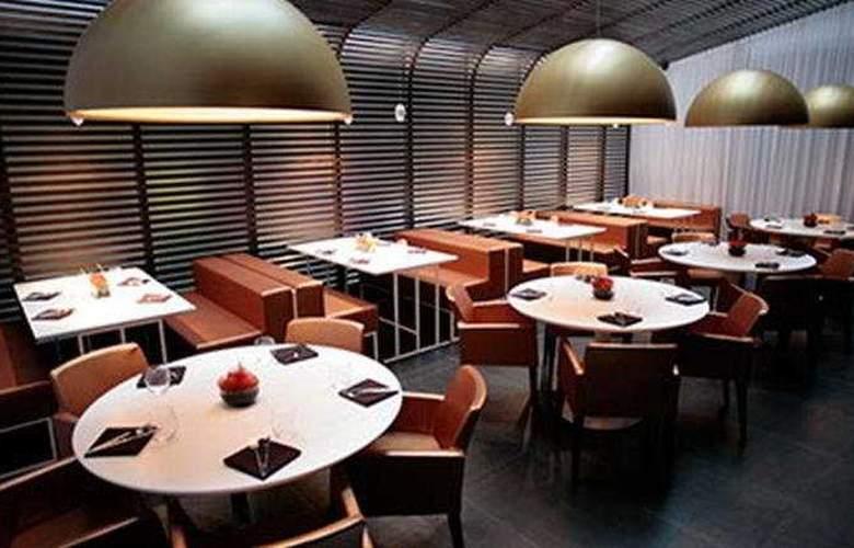 Wyndham Garden Hotel Chelsea West - Restaurant - 6