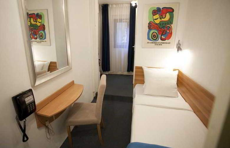 Quentin Amsterdam - Room - 7