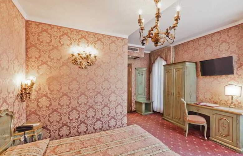 American Dinesen Hotel - Room - 1
