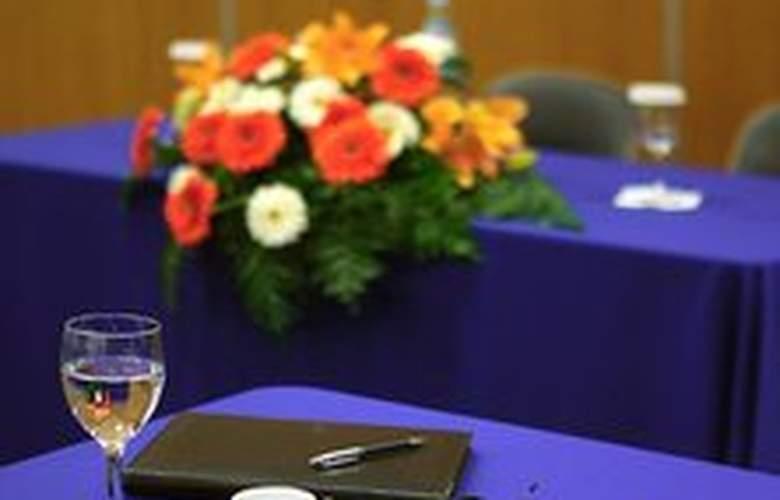 Eva - Conference - 8