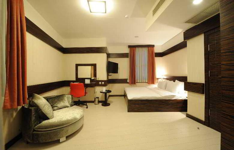 Wes Hotel - Room - 23