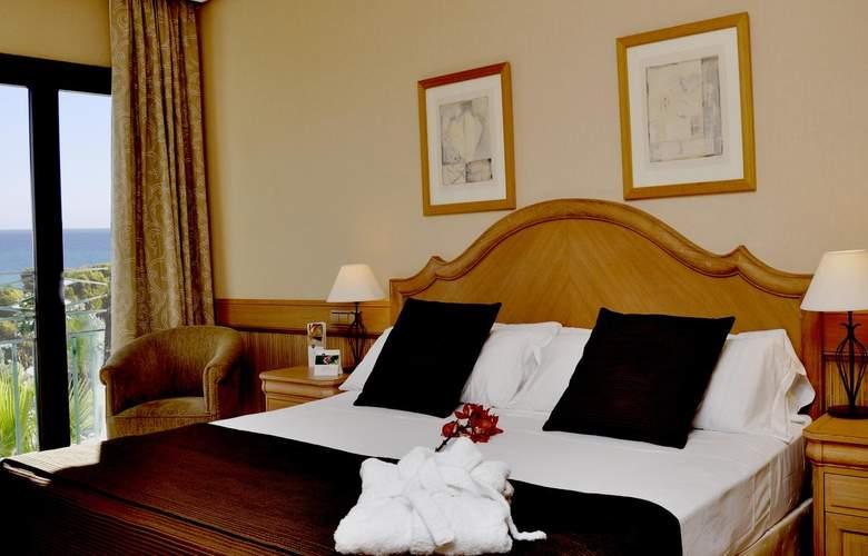 SH Villa Gadea - Room - 19