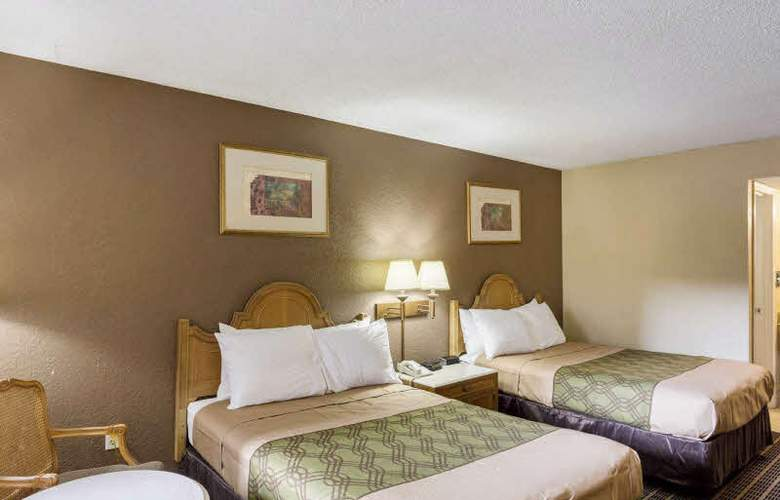 Econo Lodge - Room - 2