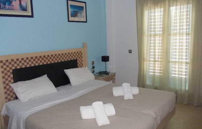Black Sand Hotel - Room - 16