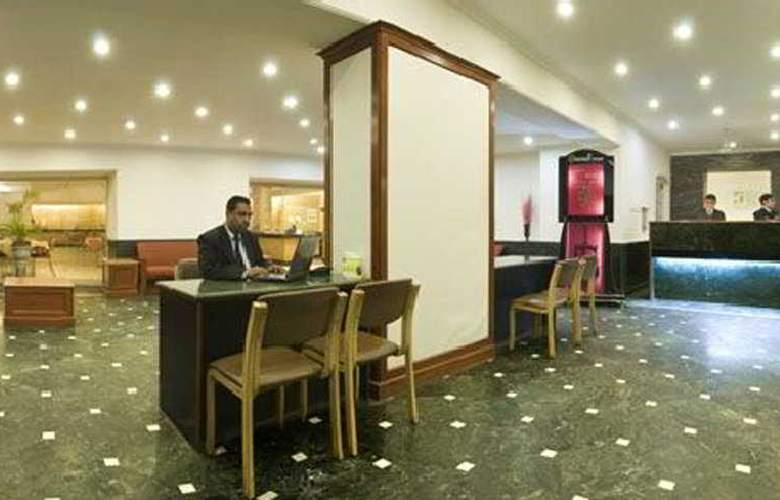 Grand Hotel - General - 0