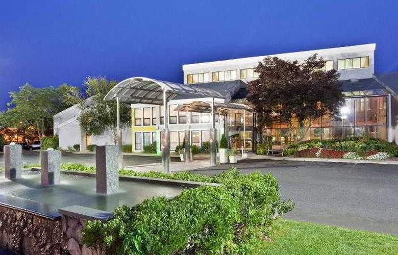 Holiday Inn Cape Cod-Hyannis - Hotel - 2