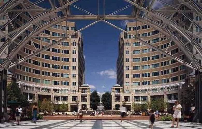 SpringHill Suites Herndon Reston - Hotel - 1