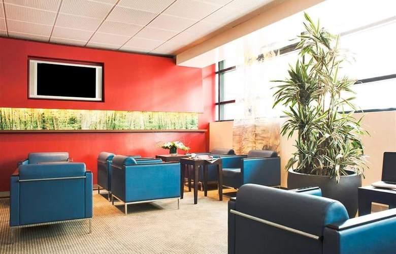 Novotel Annecy Centre Atria - Bar - 70