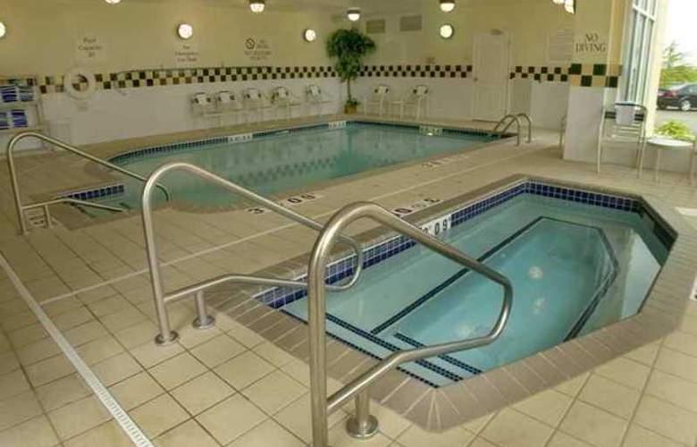 Hilton Garden Inn Bloomington - Hotel - 7