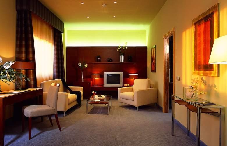 Elba Almeria Business & Convention - Room - 3