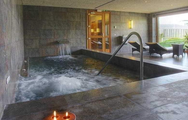 El Mirador de Ulzama Hotel & Spa - Pool - 7
