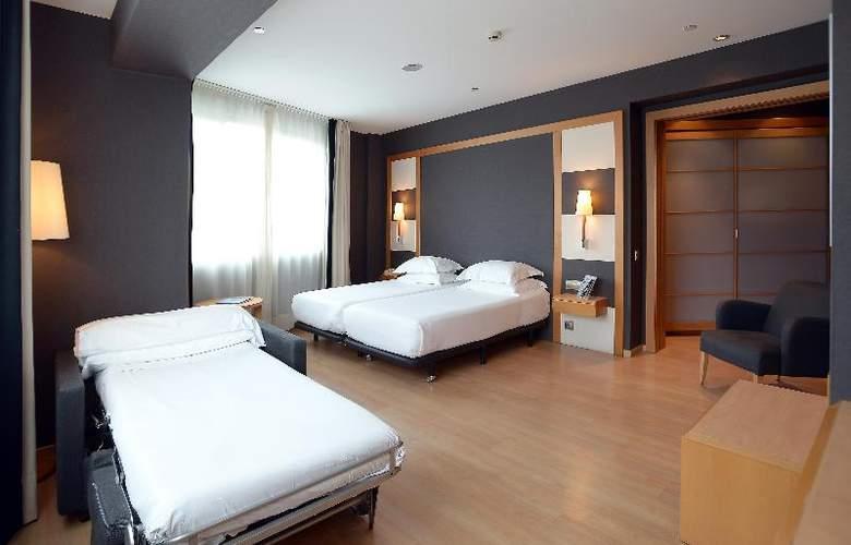 Barcelona Universal - Room - 38