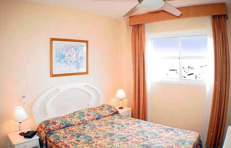 Crown Resorts - Room - 4