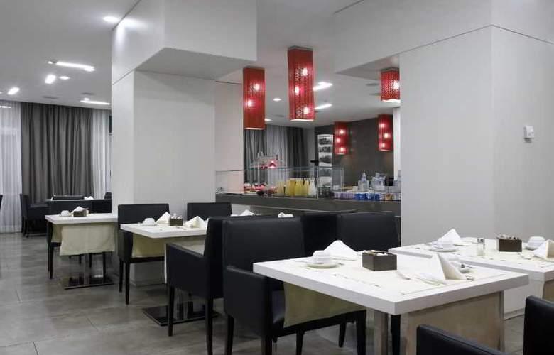 NH Genova Centro - Restaurant - 17