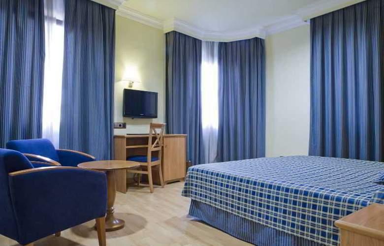 II Castillas Madrid - Room - 11