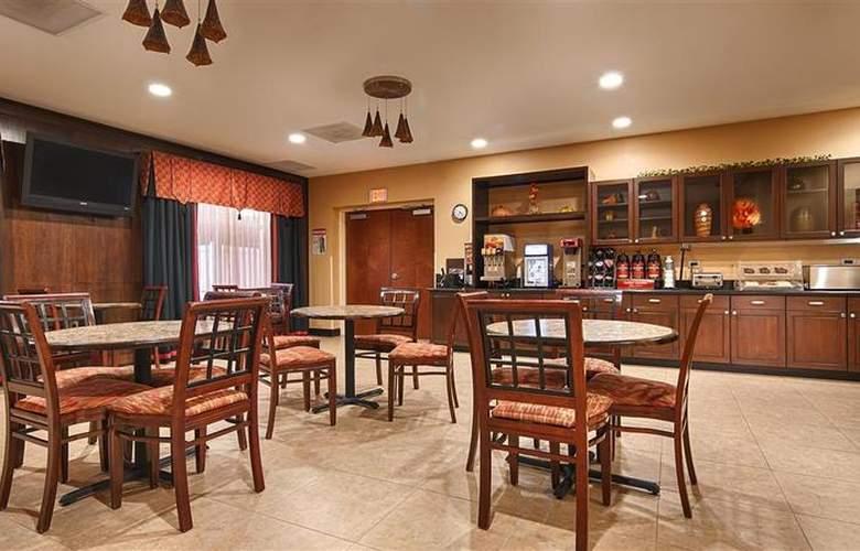 Best Western Plus Cecil Field Inn & Suites - Restaurant - 40