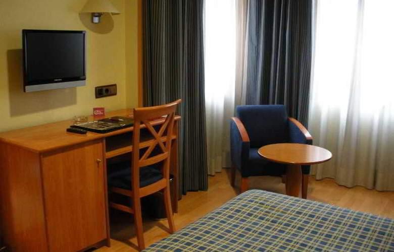 II Castillas Madrid - Room - 14