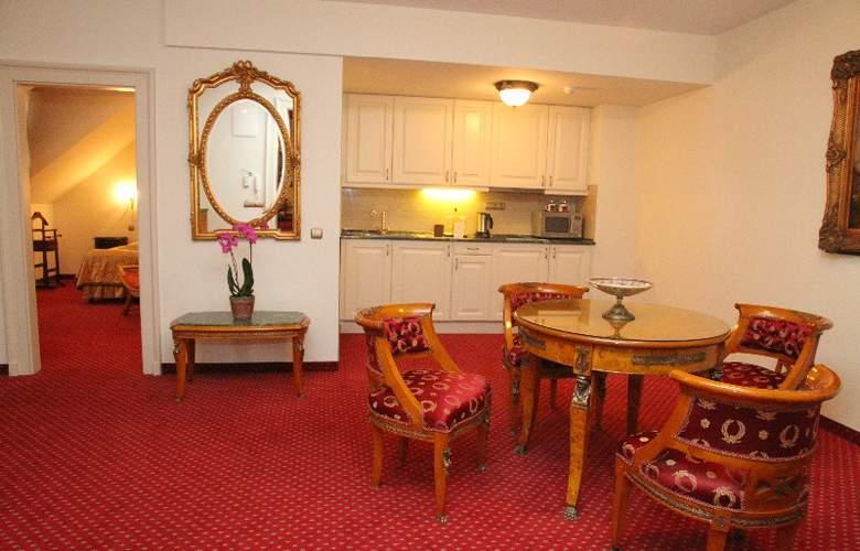 St George Residence - Room - 5
