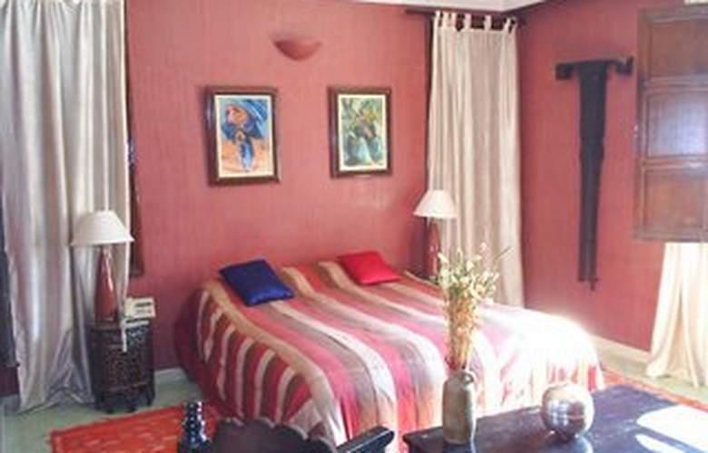 Dar Achaiah - Room - 6