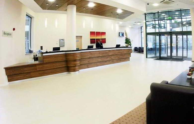 Travelodge Dublin Airport South - General - 1