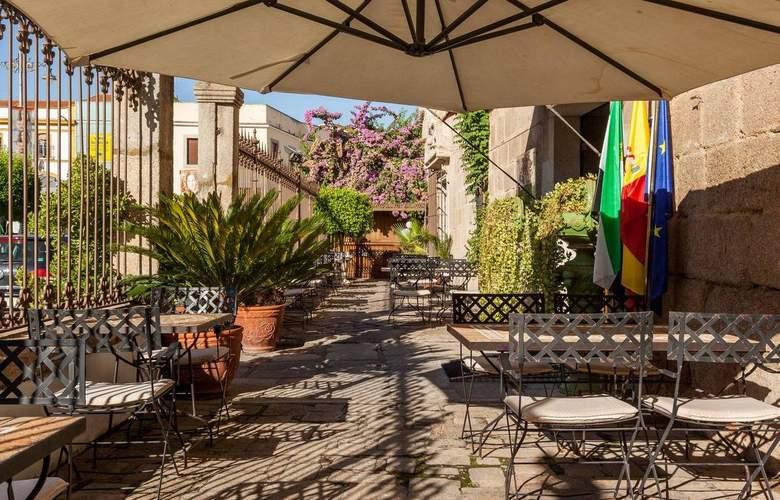Ilunion Mérida Palace - Terrace - 7