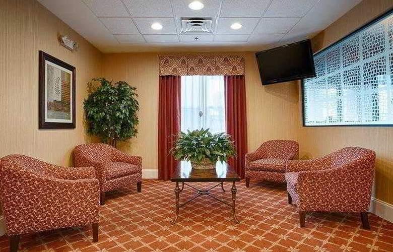 Best Western Plus Piedmont Inn & Suites - Hotel - 0