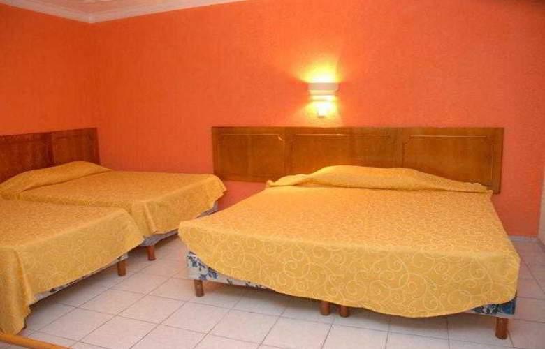 Hotel Maria de la Luz - Pool - 9