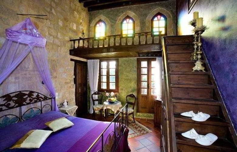 Saint Nikolis - Room - 5
