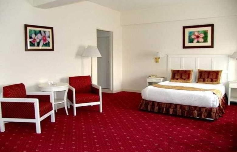 Le Grande Plaza - Room - 0