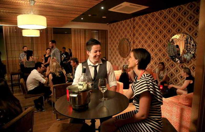 Lasseters Hotel Casino - Bar - 5