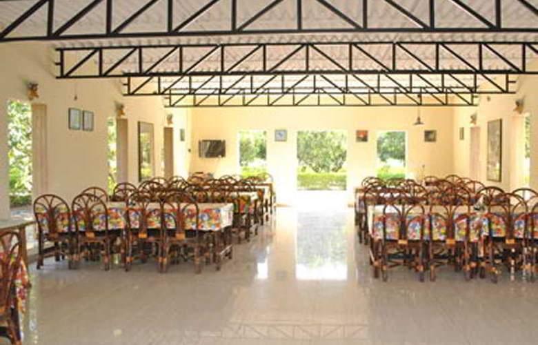 Gir Jungle Lodge - Restaurant - 7