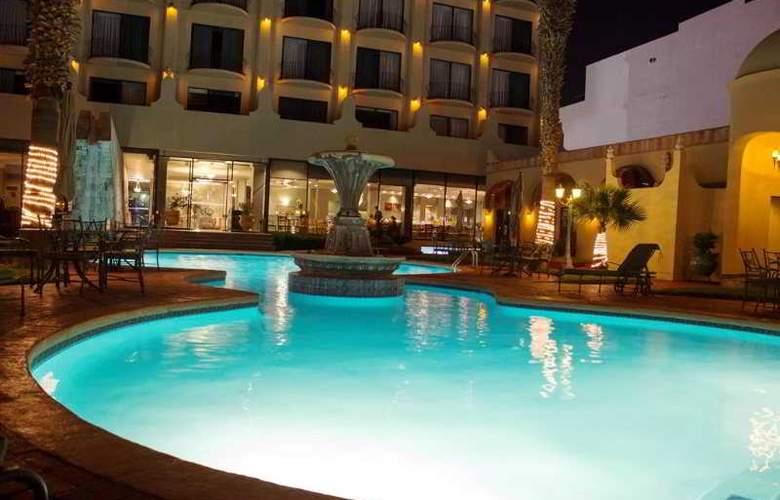 Lucerna Ciudad Juarez - Pool - 14