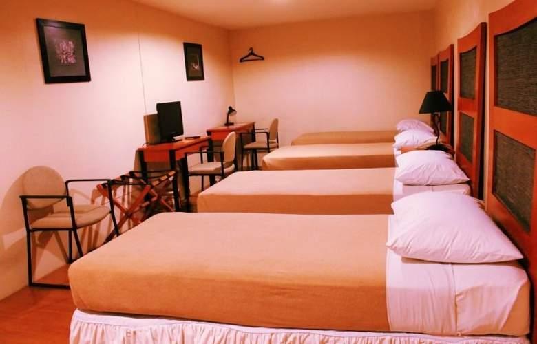 Creekside Amorsolo Hotel - Hotel - 2