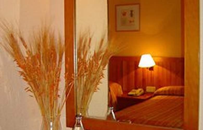 Laris - Room - 5
