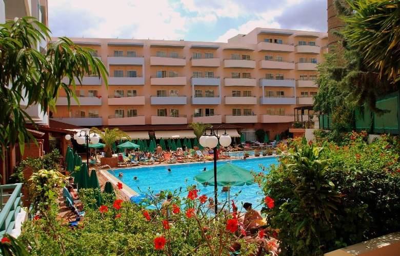 Bio Suites Hotel - Pool - 2