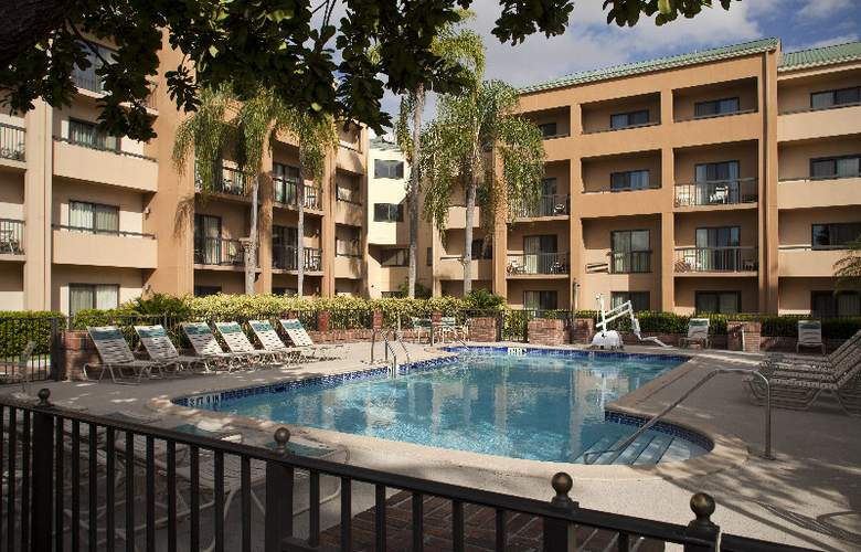 Courtyard by Marriott Miami Airport West - Pool - 2