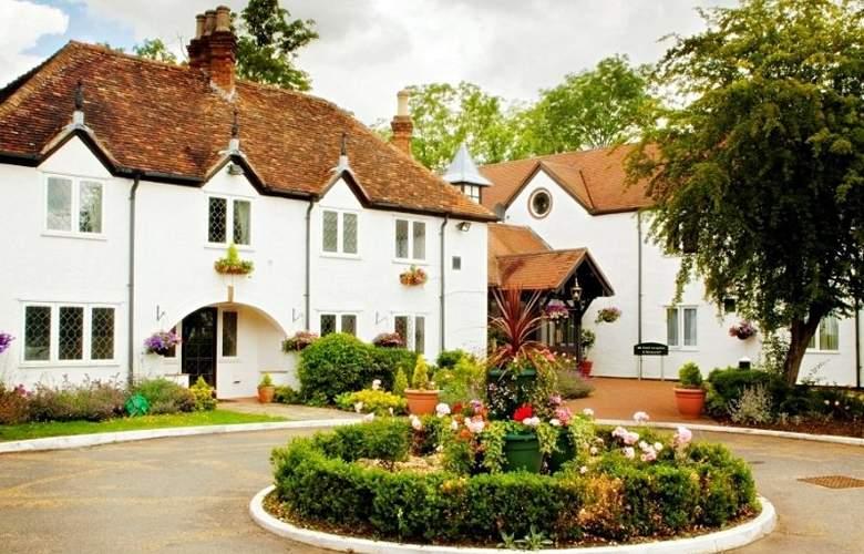 The Barns Hotel - Hotel - 0