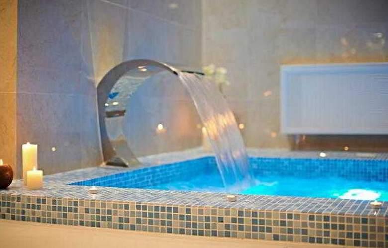 BUTA BOUTIQUE HOTEL - Pool - 16