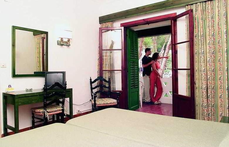 Fiesta Hotel Cala Gracio - Room - 15