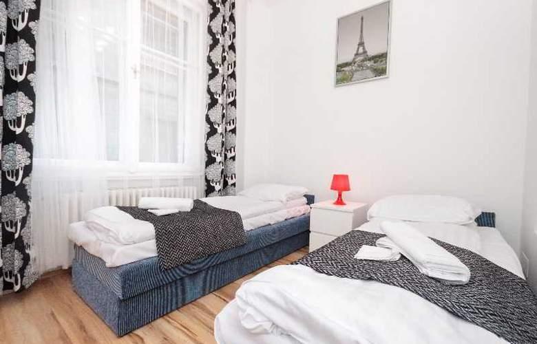 Grand Boulevard Apartments - Room - 2