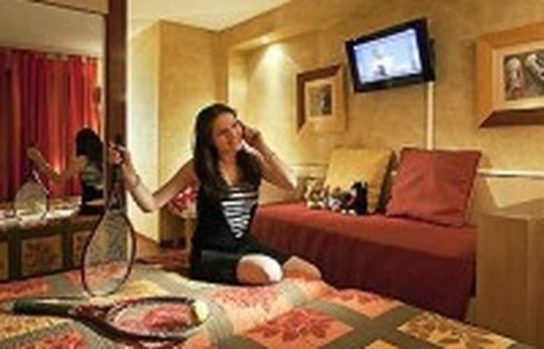 Best Western Canet Plage - Hotel - 1