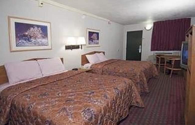 Rodeway Inn & Suites - Room - 4