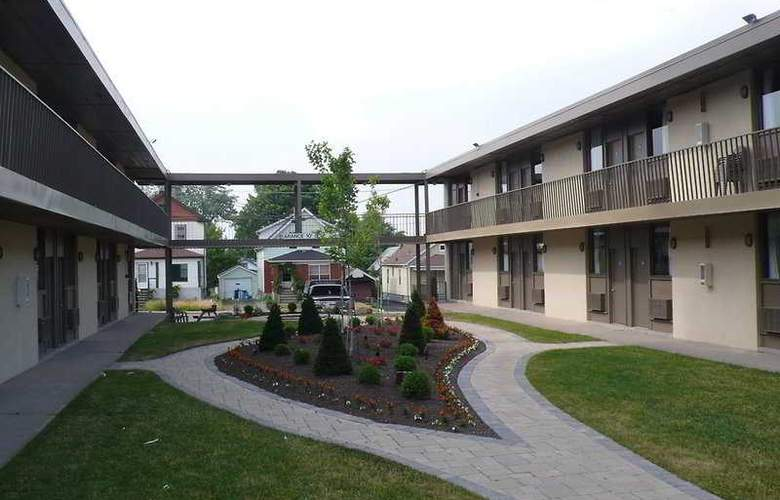 Quality Hotel and Conference Centre Niagara Falls - General - 1
