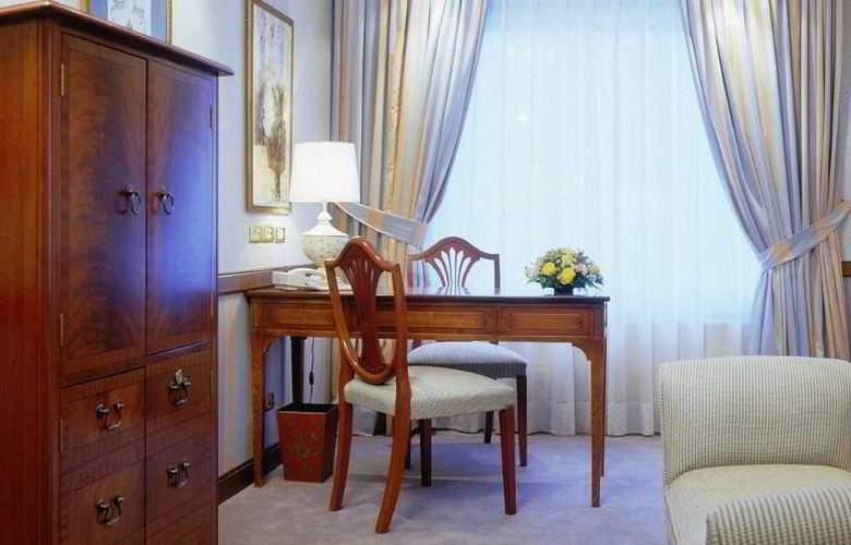 Izan Avenue Louise - Room - 11